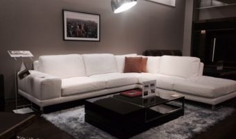 新生活におすすめ!特別特価の最高級ソファをご紹介‼️