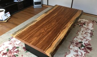 ベリの一枚板テーブルを納品させていただきました!