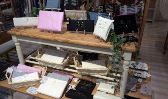 インテリア&ギフト雑貨のお店「Lapias」のバッグ&ポーチコーナーをご紹介!