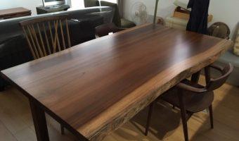 一枚板のテーブルを納品してきました!